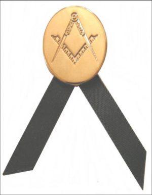 Insigne de deuil maçonnique – Équerre et compas