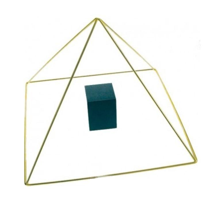 Pyramide laiton avec chambre du roi